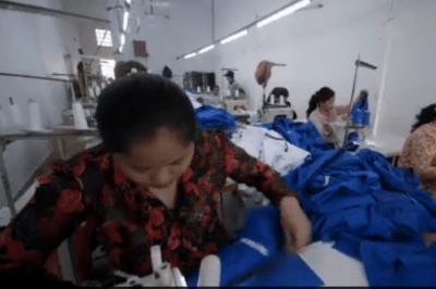NäherInnen im Kambodscha (Screenshot Dokumentation Sweatshop)
